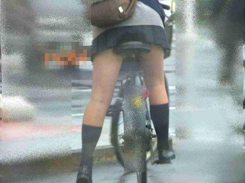 【盗撮画像】自転車通学中のJKは適当に歩いててもパンチラ見えてる説 41枚 No.12