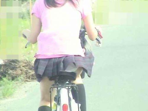 【盗撮画像】自転車通学中のJKは適当に歩いててもパンチラ見えてる説 41枚 No.33