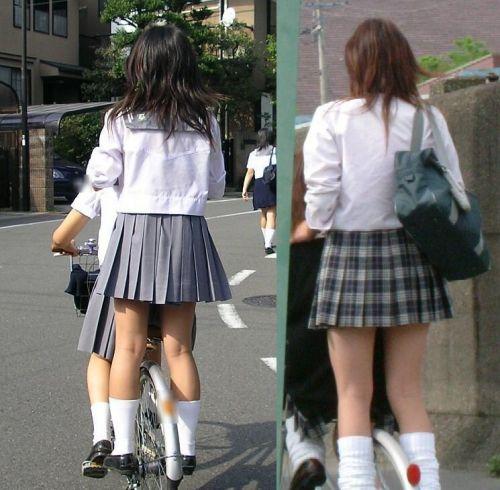 【盗撮画像】自転車通学中のJKは適当に歩いててもパンチラ見えてる説 41枚 No.36