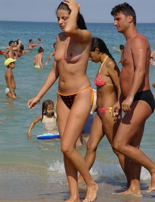 全裸巨乳外人だけを厳選したヌーディストビーチの盗撮画像 35枚 No.3