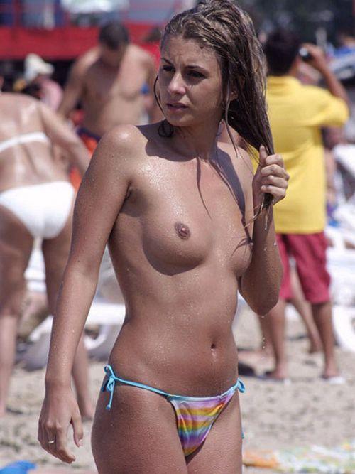 全裸巨乳外人だけを厳選したヌーディストビーチの盗撮画像 35枚 No.10