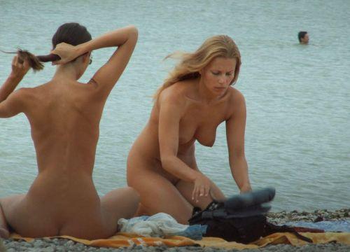 全裸巨乳外人だけを厳選したヌーディストビーチの盗撮画像 35枚 No.28