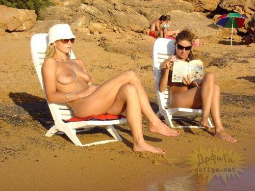 全裸巨乳外人だけを厳選したヌーディストビーチの盗撮画像 35枚 No.31