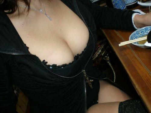 巨乳素人さんの胸チラとポロリだけを集めた盗撮エロ画像 43枚 No.41