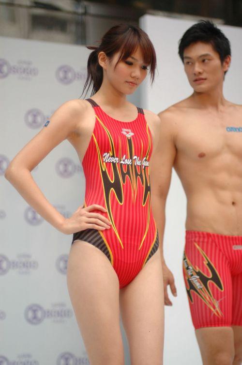 【即シコ】女子スポーツ選手の美しい筋肉と露出エロ画像 39枚 No.23