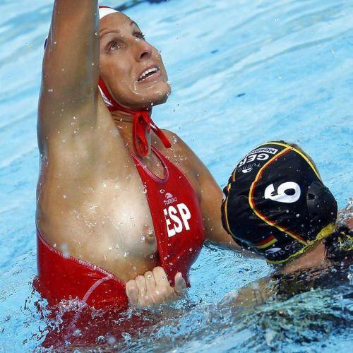 【即シコ】女子スポーツ選手の美しい筋肉と露出エロ画像 39枚 No.35