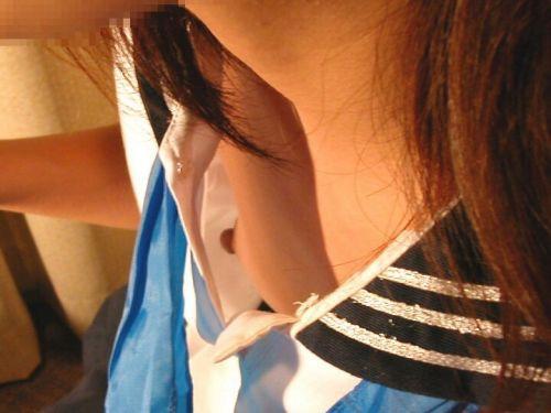 ノーブラ女性の横乳・ハミ乳・乳首ポロリ画像まとめ 42枚 No.4