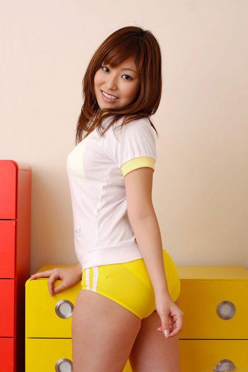 【画像】女子高生のブルマを楽しんだ世代はこのエロさ分かるよな? 36枚 No.4