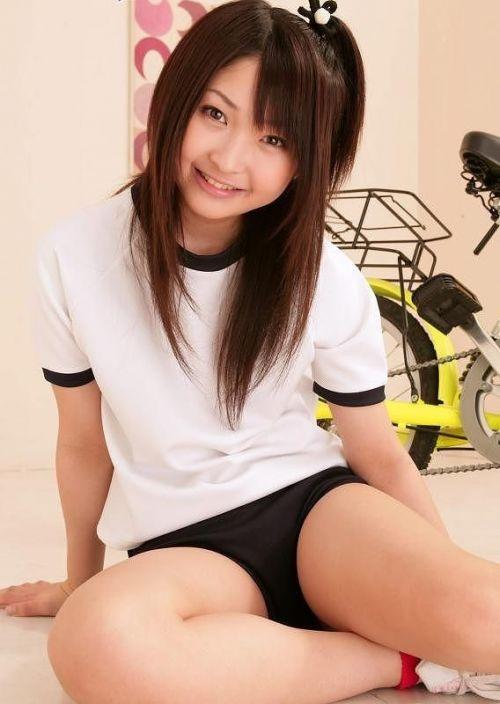 【画像】女子高生のブルマを楽しんだ世代はこのエロさ分かるよな? 36枚 No.10