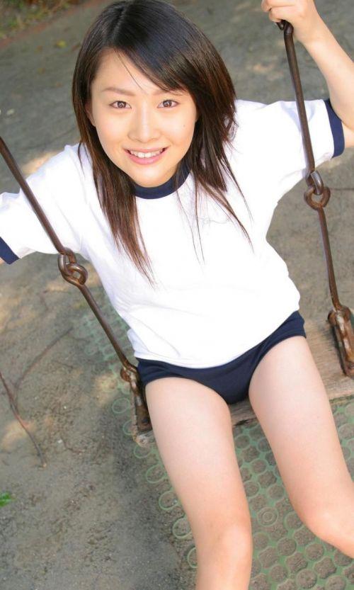 【画像】女子高生のブルマを楽しんだ世代はこのエロさ分かるよな? 36枚 No.16