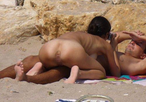 ヌーディストビーチで全裸で戯れてる外人画像あるけど見る? 40枚 No.32