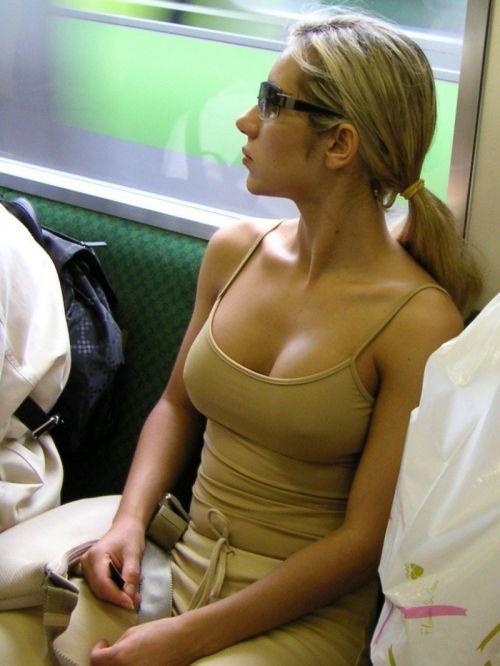 【盗撮画像】ノンスリーブ胸チラは乳首ポロリもエロ過ぎる 35枚 No.2