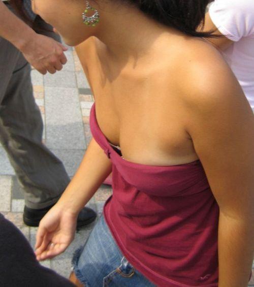【盗撮画像】ノンスリーブ胸チラは乳首ポロリもエロ過ぎる 35枚 No.10