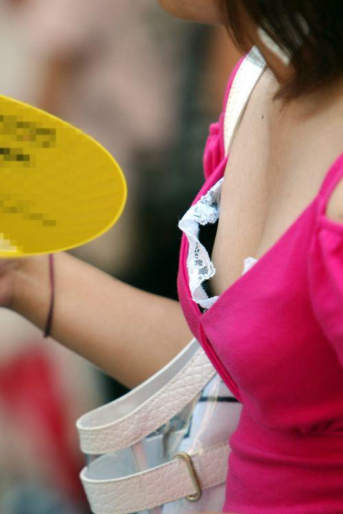 【盗撮画像】ノンスリーブ胸チラは乳首ポロリもエロ過ぎる 35枚 No.24