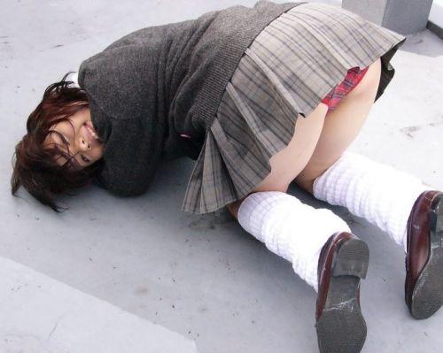 【エロ画像】JKのお尻パンチラが一番綺麗に見えるポーズまとめ 38枚 No.29