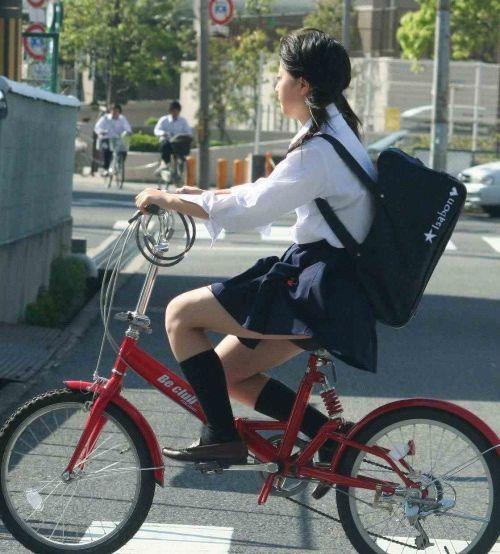 JKの自転車パンチラ盗撮画像集めたから貼っていくわ! 40枚 No.5