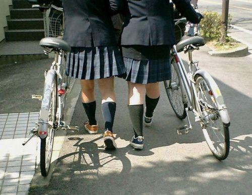 JKの自転車パンチラ盗撮画像集めたから貼っていくわ! 40枚 No.11