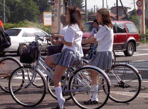 JKの自転車パンチラ盗撮画像集めたから貼っていくわ! 40枚 No.12