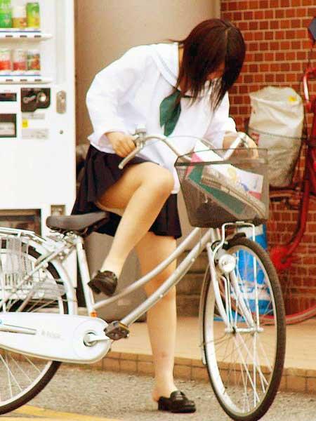 JKの自転車パンチラ盗撮画像集めたから貼っていくわ! 40枚 No.17