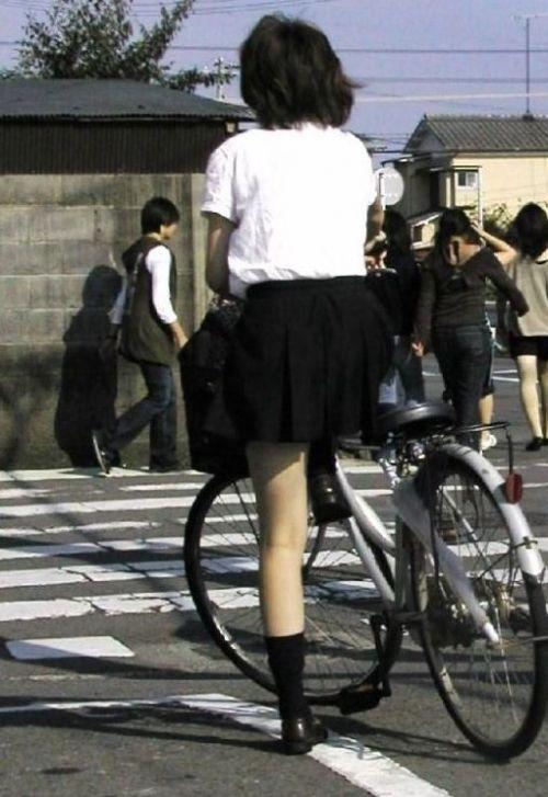 JKの自転車パンチラ盗撮画像集めたから貼っていくわ! 40枚 No.24