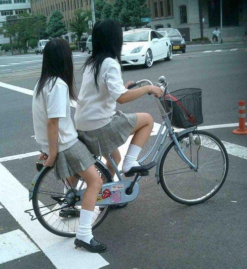 JKの自転車パンチラ盗撮画像集めたから貼っていくわ! 40枚 No.37