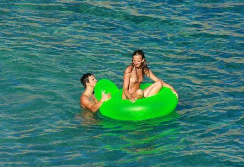 外国人美女だらけの楽園!ヌーディストビーチの盗撮エロ画像! 37枚 No.8