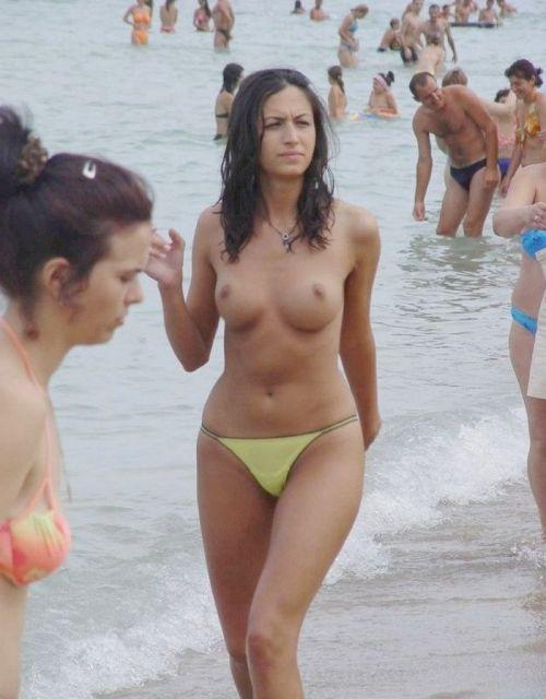 外国人美女だらけの楽園!ヌーディストビーチの盗撮エロ画像! 37枚 No.10