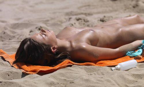 外国人美女だらけの楽園!ヌーディストビーチの盗撮エロ画像! 37枚 No.14