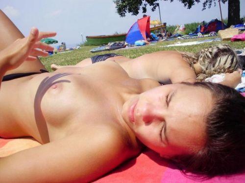 外国人美女だらけの楽園!ヌーディストビーチの盗撮エロ画像! 37枚 No.16