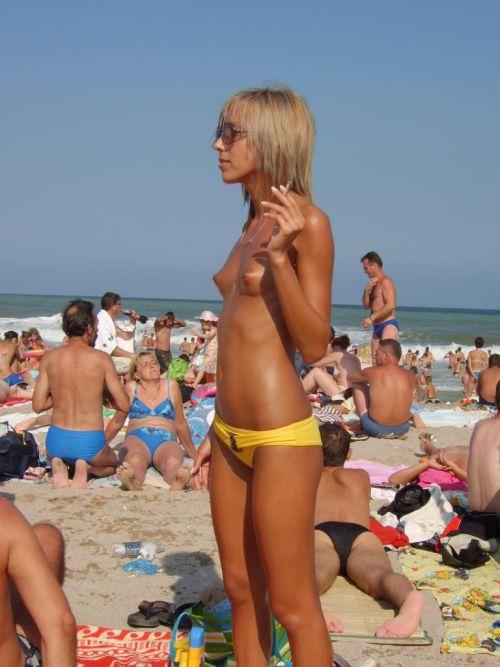 外国人美女だらけの楽園!ヌーディストビーチの盗撮エロ画像! 37枚 No.23
