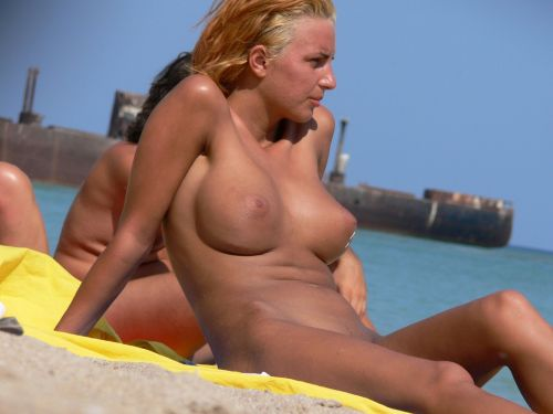 外国人美女だらけの楽園!ヌーディストビーチの盗撮エロ画像! 37枚 No.26