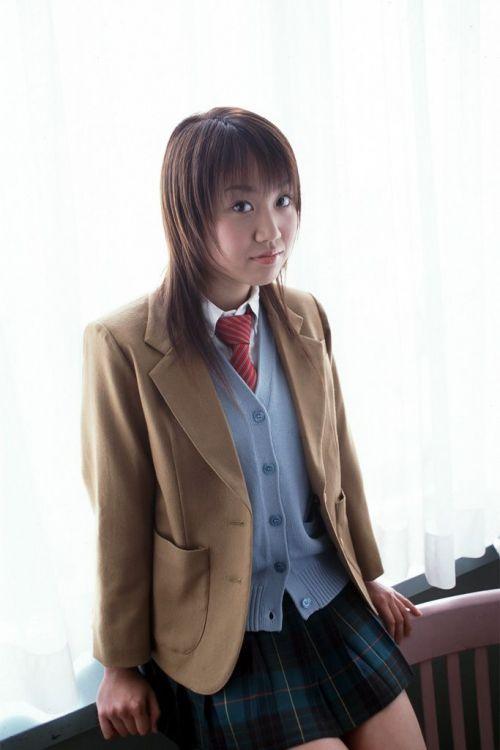 【画像】黒髪ブレザー姿のJKもやっぱり可愛いんだよな! 38枚 No.8