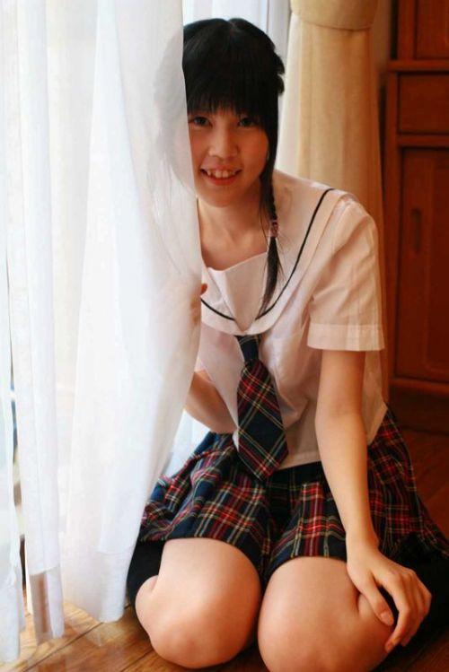 【画像】黒髪ブレザー姿のJKもやっぱり可愛いんだよな! 38枚 No.26