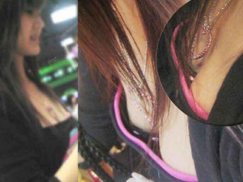 お姉さんの乳首ポロリだけを集めた盗撮エロ画像 36枚 No.7