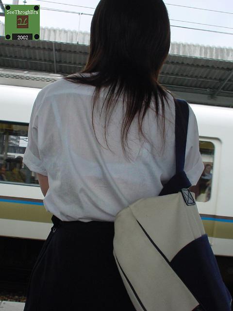 セーラー服が透けて乳首が見えることもあるJKの透けエロ画像 43枚 No.14