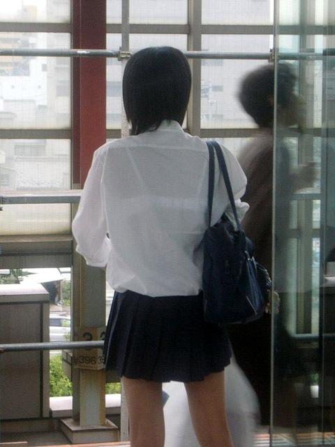 セーラー服が透けて乳首が見えることもあるJKの透けエロ画像 43枚 No.21