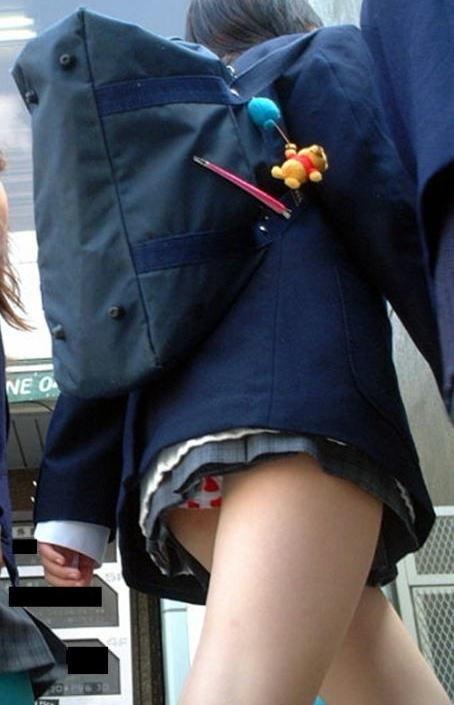【※シコシコおっき】JKの色白な美脚ナマ足画像まとめ 37枚 No.3