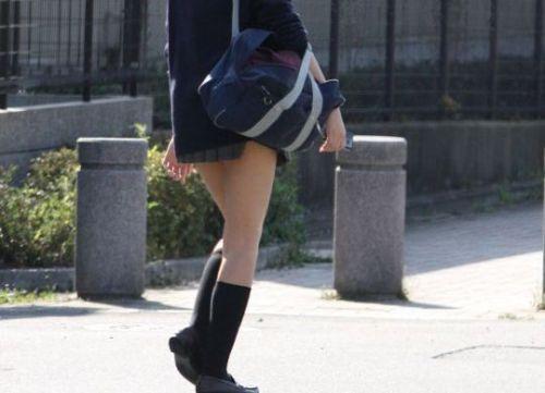 【※シコシコおっき】JKの色白な美脚ナマ足画像まとめ 37枚 No.7