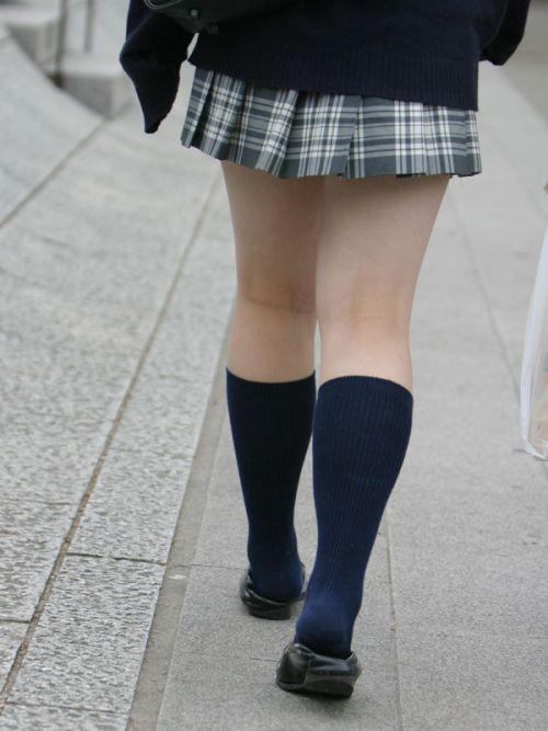 【※シコシコおっき】JKの色白な美脚ナマ足画像まとめ 37枚 No.37