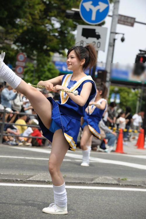 【画像あり】大きく足を開いたチアガールの股間がエロ過ぎ! 38枚 No.18