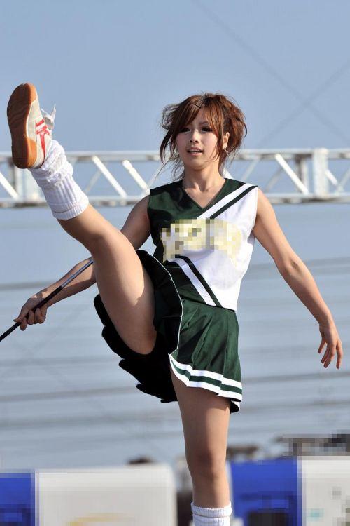 【画像あり】大きく足を開いたチアガールの股間がエロ過ぎ! 38枚 No.19