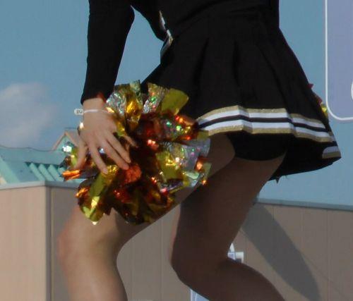 【画像あり】大きく足を開いたチアガールの股間がエロ過ぎ! 38枚 No.29