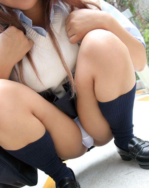 【画像】女子校生が無邪気にパンチラしてるエロ画像まとめ 36枚 No.29