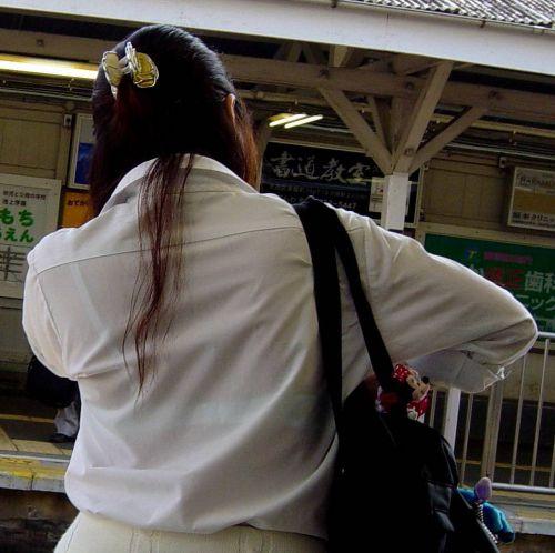 【画像】JKの透けたブラジャーとかブラ紐が青春なエロさだわww 35枚 part.4 No.21