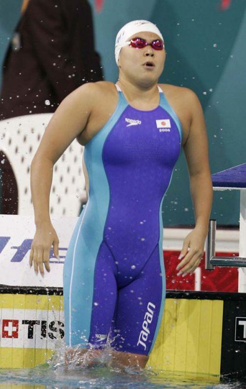 【盗撮画像】引き締まった女子スポーツ選手の体エロ過ぎ! 36枚 No.10