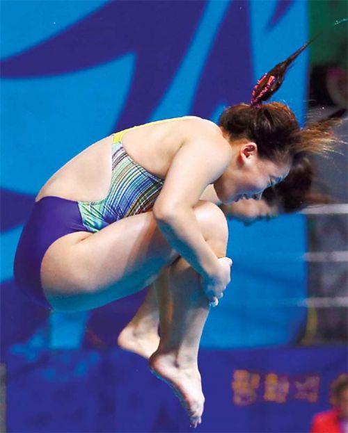 【盗撮画像】引き締まった女子スポーツ選手の体エロ過ぎ! 36枚 No.13