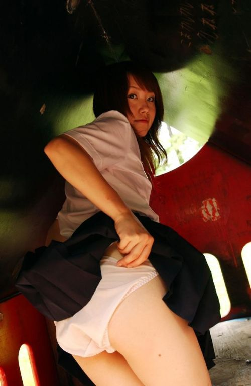 【画像】痴女の素質を持ったJKがパンティを見せつけてくるのエロ過ぎ! 37枚 No.30