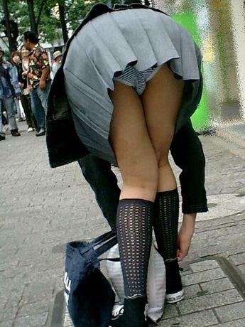 【JK画像】下から盗撮したら股間とお尻がモロ見えエロ過ぎた! 39枚 No.2