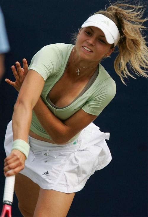 【画像】テニス選手を含めた女子アスリートのおっぱいとお尻がエロ過ぎ! 37枚 No.5