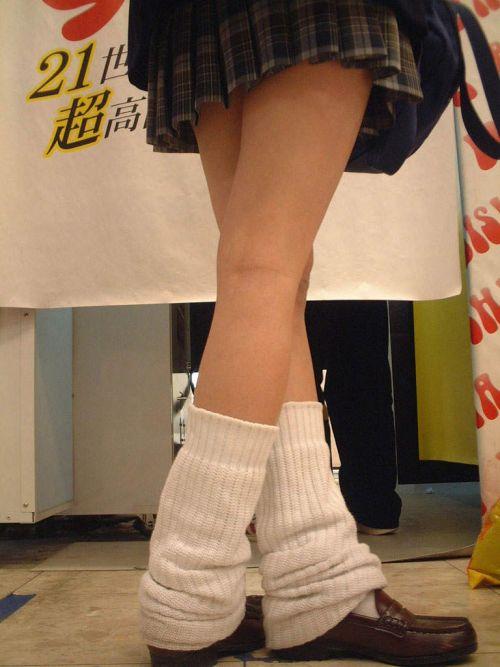 【エロ画像】ルーズソックスで脚組みしてるJKのドヤ感は異常! 38枚 No.3